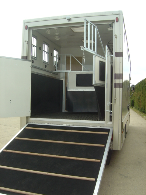 Luxury Horseboxes Leicester